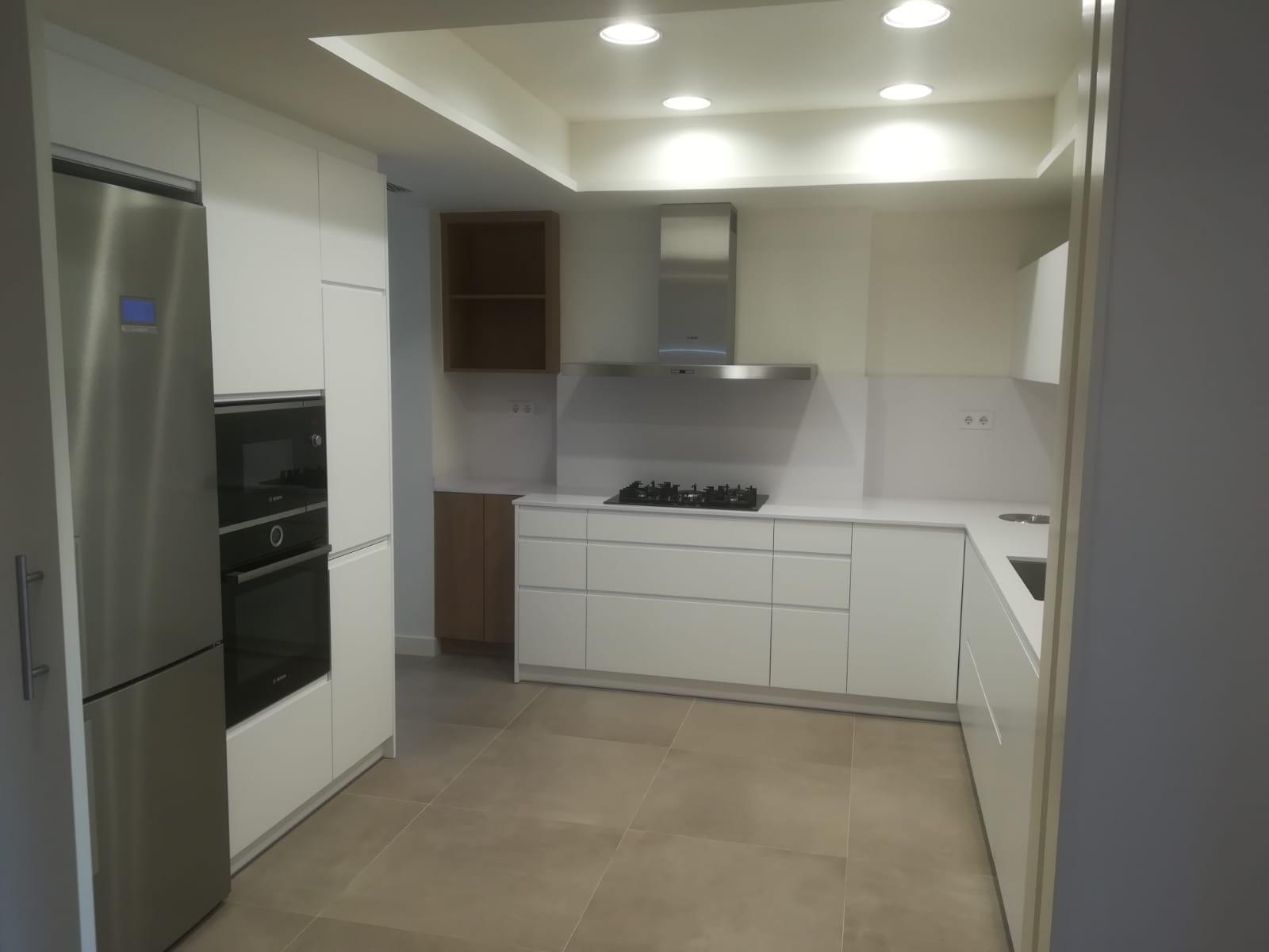 Acabadas las obras de reforma interior de un piso en Rector Ubach.