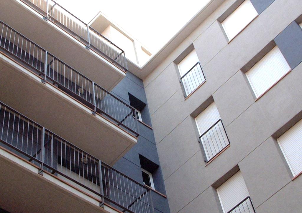 Edificio de VPO en Montcada i Reixac.