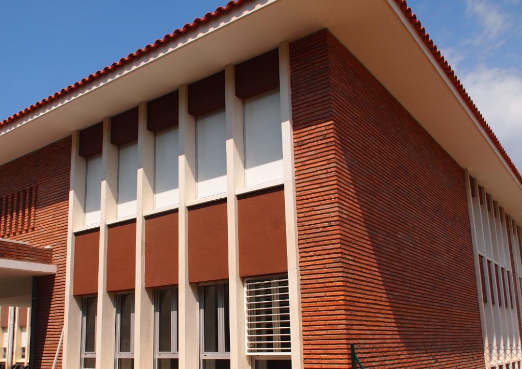 Edificio docente en Bellaterra.